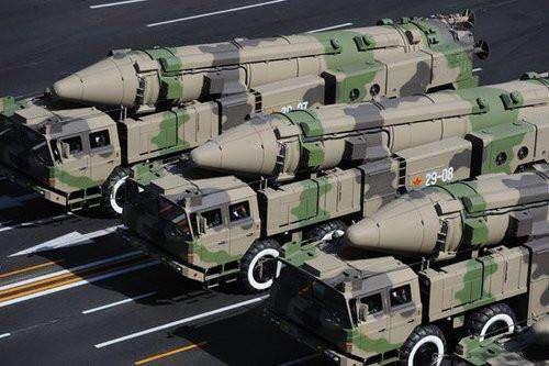 火箭军有多豪?一次齐射上百弹道导弹,体现强悍威慑力