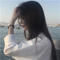 女生海边头像.jpg