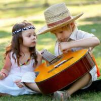 适合长大后怀念童年的歌曲,经典的旋律勾起回忆